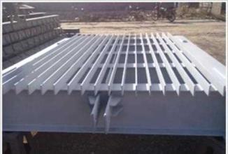 弧形钢结构焊接闸门产品图片
