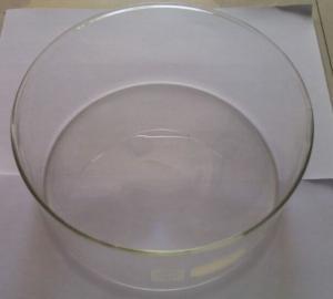硼硅玻璃容器,*壁厚 3mm,外徑約為 190mm,高約為 90mm