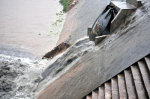 排水管道-DN1800铸铁拍门价格产品图片